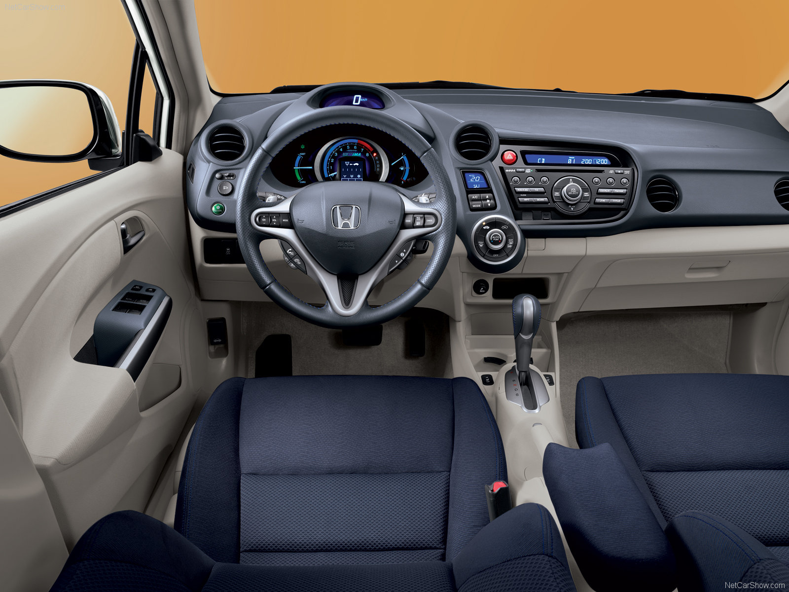 Honda Insight 2010 - Интерьер
